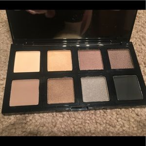 New The Body Shop Down to Earth Eyeshadow Palette
